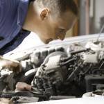 Auto met kapotte motor aan autosloperij verkopen